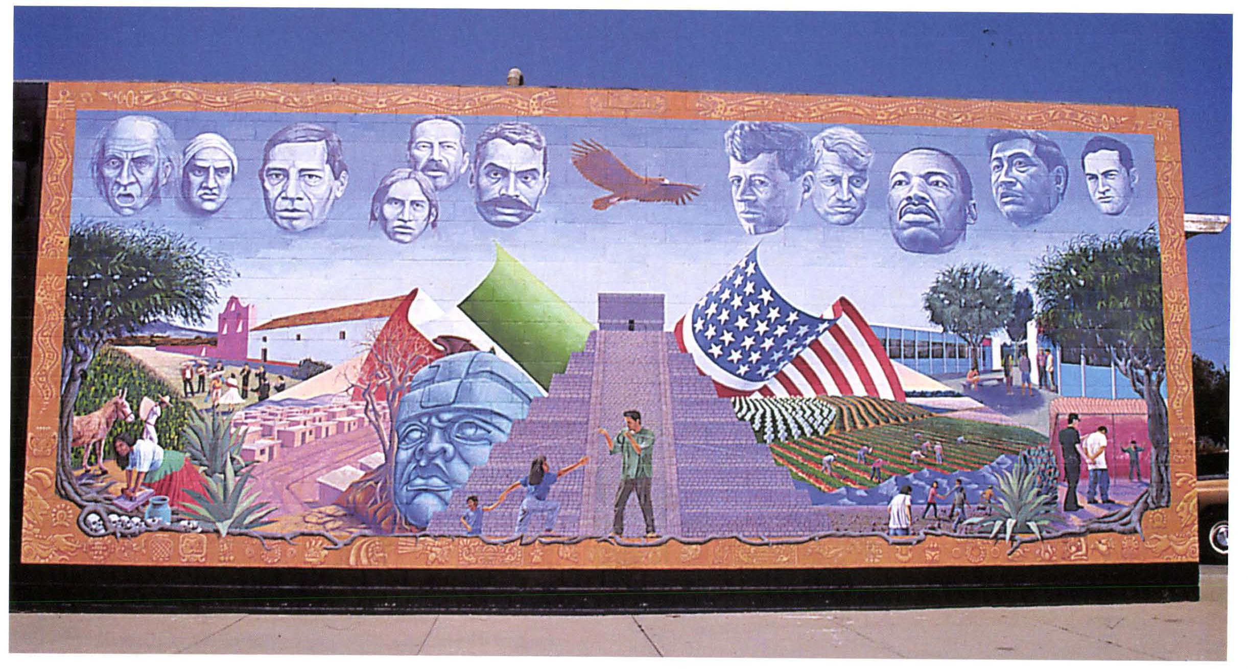 Les latinos des usa seize murales chicanos du sud ouest for Mural una familia chicana