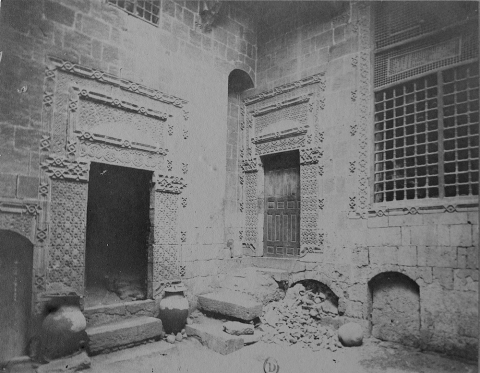 9. Corner of the courtyard of an unidentified house.