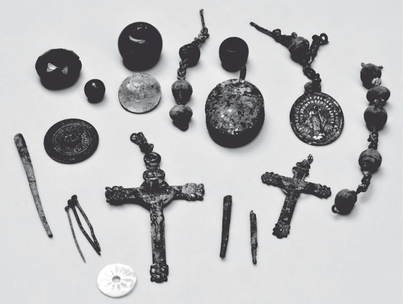 G/én/érique Crucifix en Bois 20,3 cm Corps Blanc//m/étal