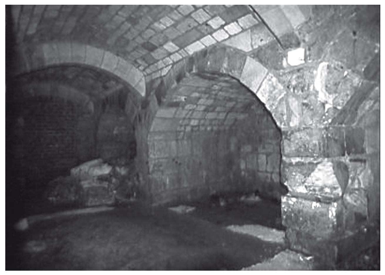 Les Caves Du Manoir des châteaux et des sources - topographie, architecture et