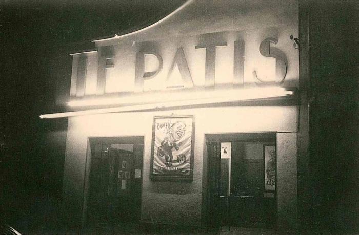 Le Patis - Chapitre I  Une salle atypique : anachronisme